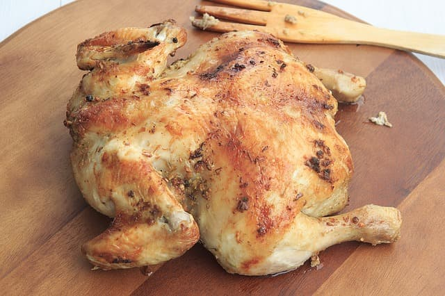 chicken-e834b8062a_640