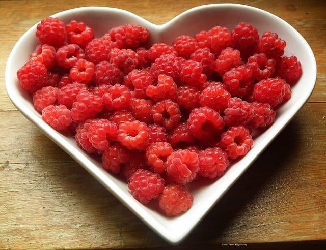 raspberries-eb34b4072d_640
